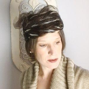 Betmar | Vintage Wool Pillbox Hat Feathers Veil